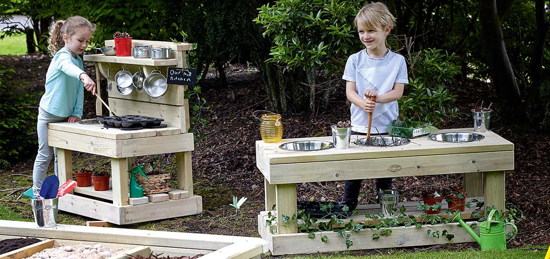 Enrich your outdoor messy play