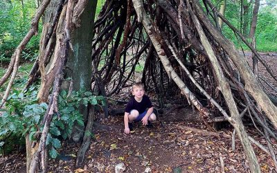 Outdoor play – Den building with @earlyyearsoutdoor